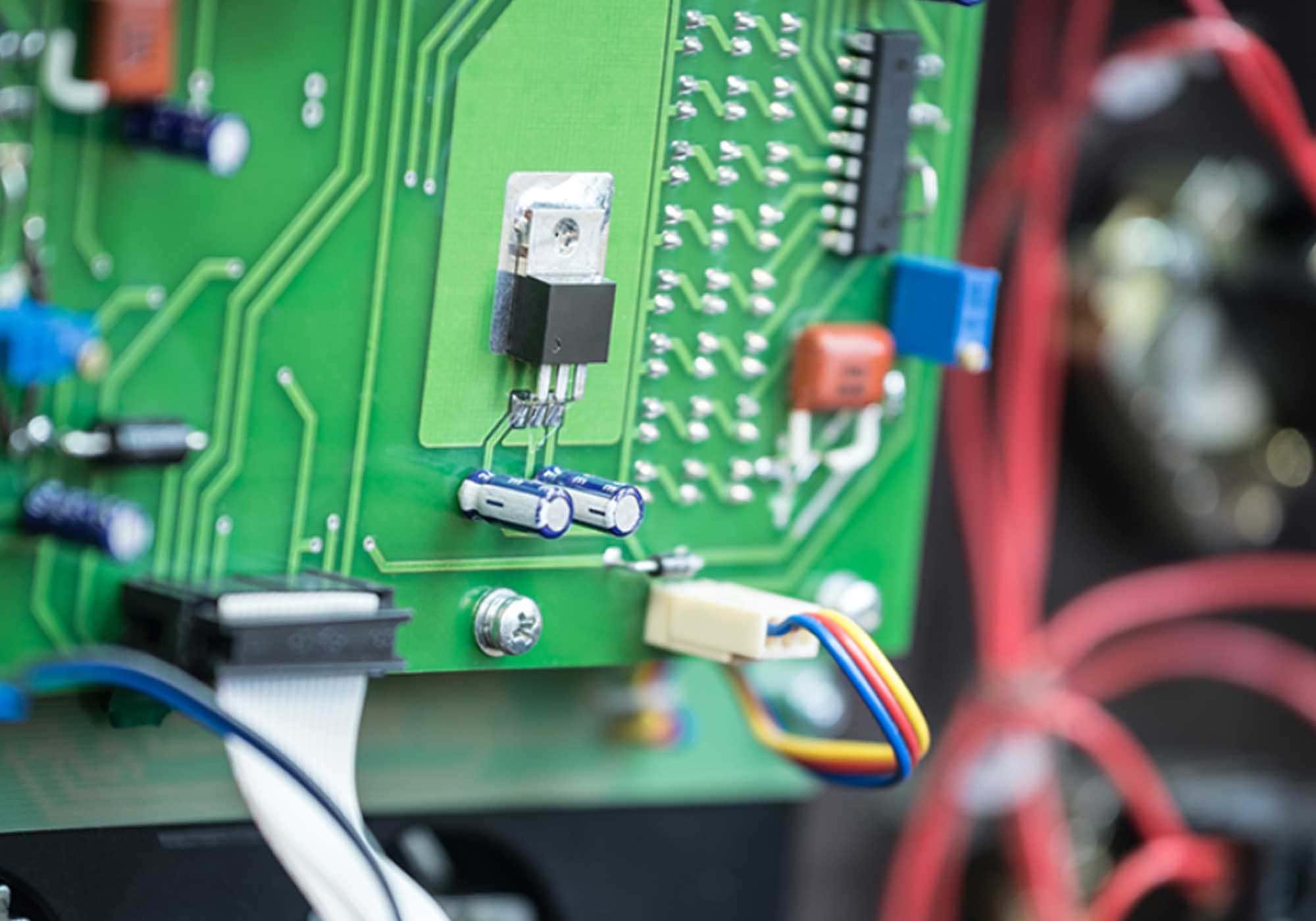 imagem de placa eletrônica
