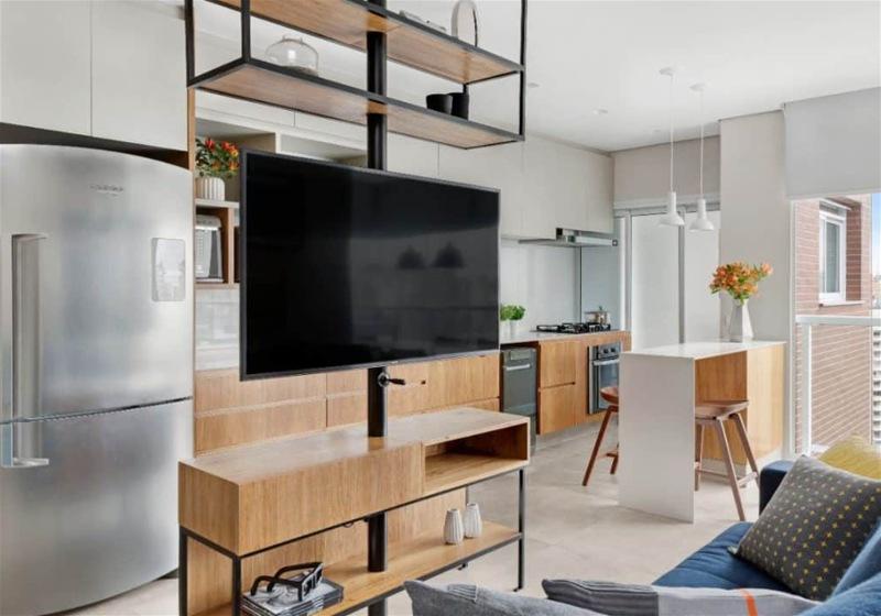 Imagem com dicas para decoração de apartamento com madeira