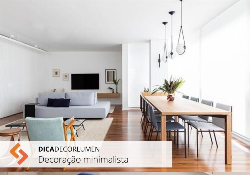 sala com decoração minimalista bem iluminada