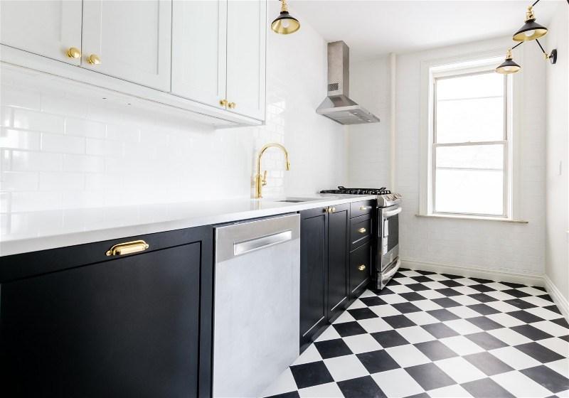 Imagem de uma cozinha em formato linear