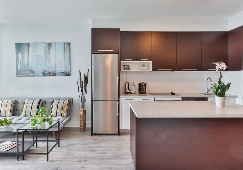 Imagem de uma cozinha em formato G
